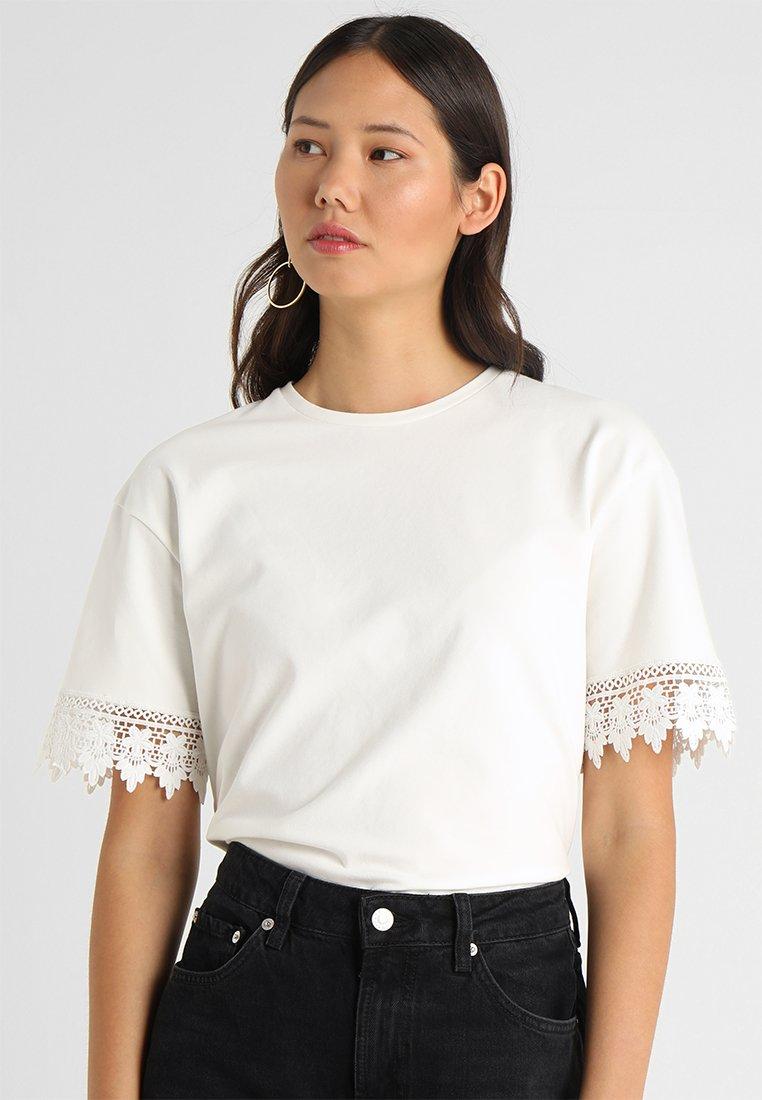mint&berry - Print T-shirt - white alyssum