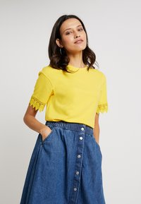 mint&berry - T-shirt print - primose yellow - 0