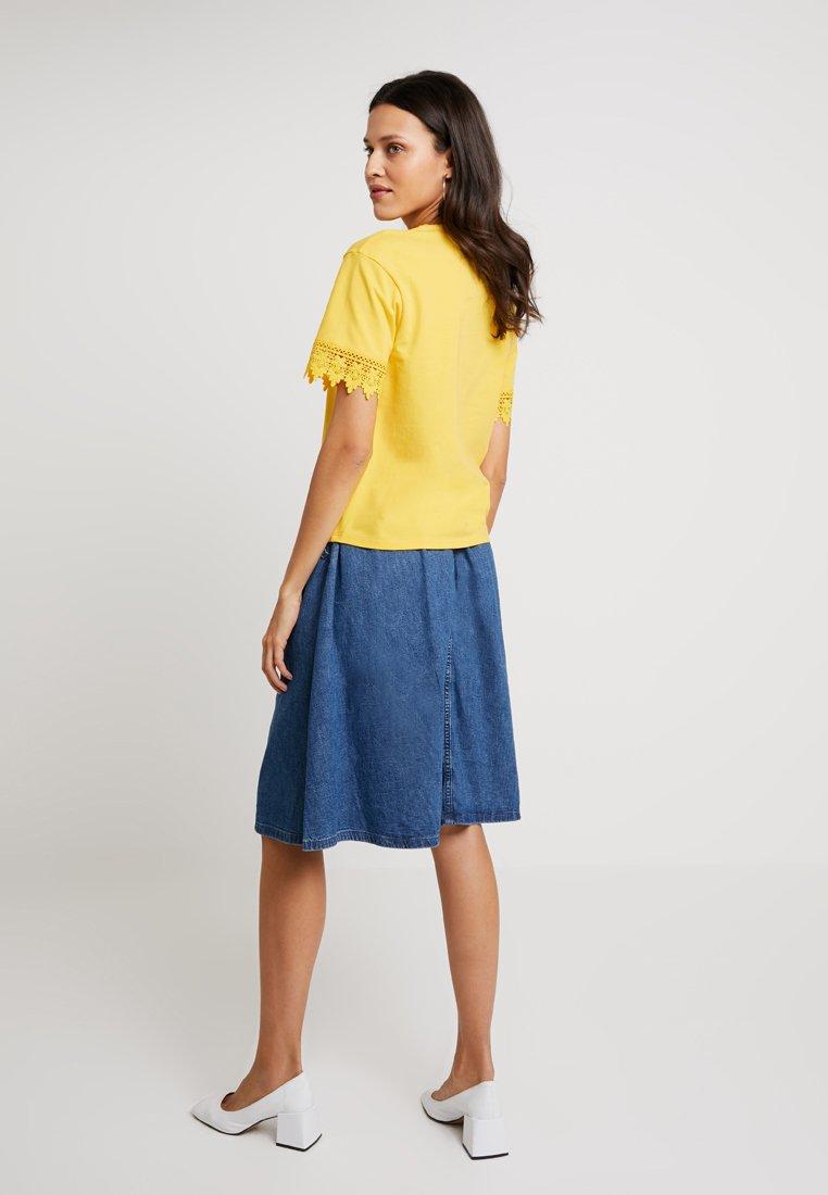 Yellow T Con amp;berry Mint Stampa shirt Primose KFlJ1c