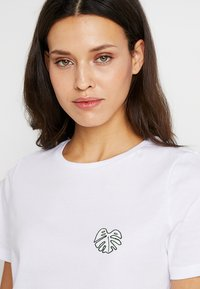 mint&berry - Print T-shirt - bright white - 3