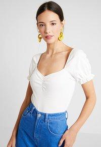 mint&berry - BODY - T-shirt med print - cloud dancer - 0