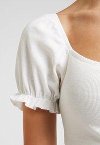 mint&berry - BODY - T-shirt med print - cloud dancer - 5