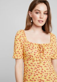 mint&berry - Print T-shirt - dark yellow - 5