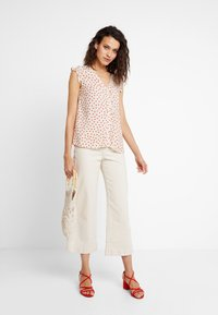 mint&berry - Blouse - beige/red - 1