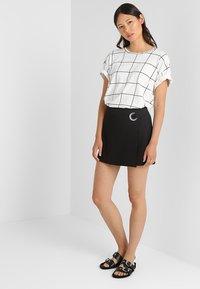 mint&berry - Shorts - black - 1