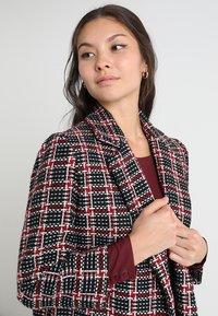 mint&berry - Zimní kabát - red/black - 3