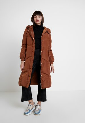Down coat - cognac