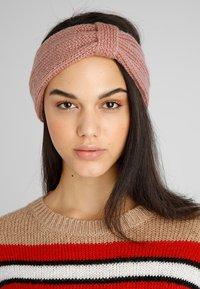 mint&berry - Ear warmers - pink - 1