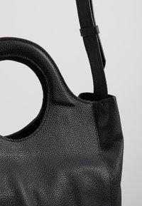 mint&berry - LEATHER - Across body bag - black - 6