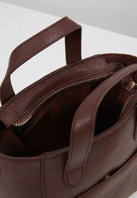 mint&berry - LEATHER - Handbag - burgundy - 4