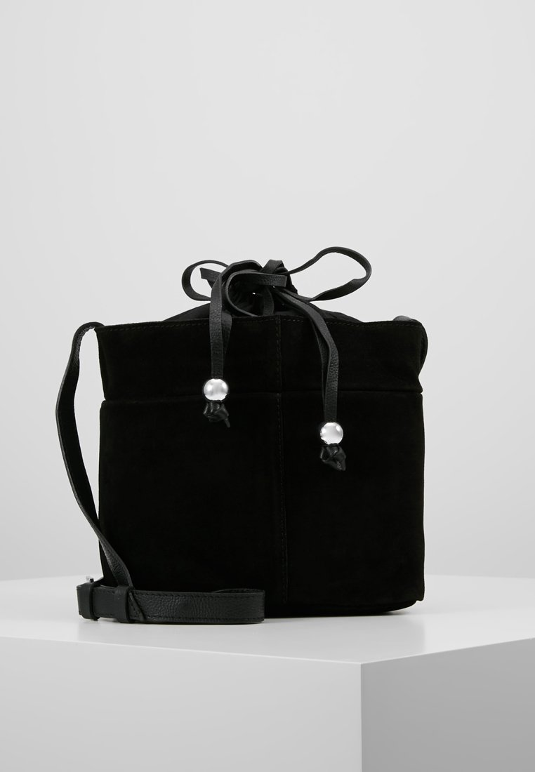 mint&berry - LEATHER - Across body bag - black