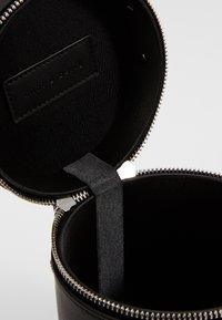 mint&berry - Handbag - black - 4