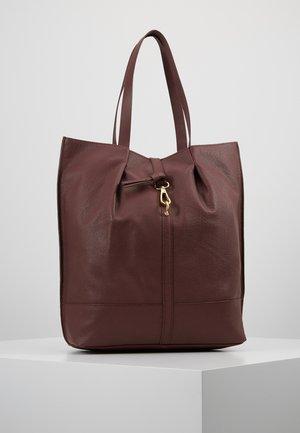 LEATHER - Velká kabelka - burgundy