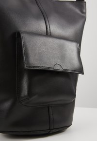 mint&berry - LEATHER - Handbag - black - 6