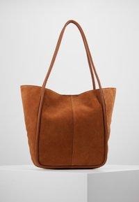 mint&berry - LEATHER - Shoppingveske - cognac - 2