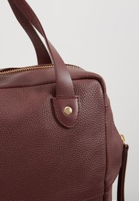 mint&berry - LEATHER - Reppu - burgundy - 4