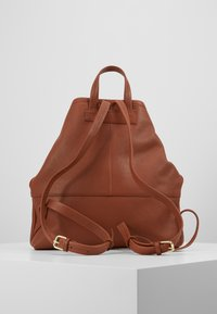 mint&berry - LEATHER - Reppu - dark cognac - 2