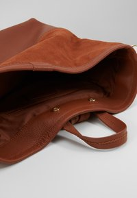 mint&berry - LEATHER - Reppu - dark cognac - 4