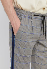 Mason's - TOSCANA JOGGER - Trousers - grey/blue - 3