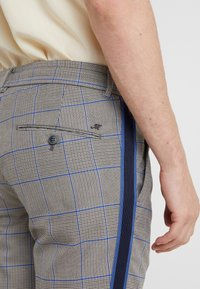 Mason's - TOSCANA JOGGER - Trousers - grey/blue - 5