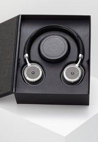 Master & Dynamic - MW50 WIRELESS ON-EAR - Headphones - black/silver-coloured - 3