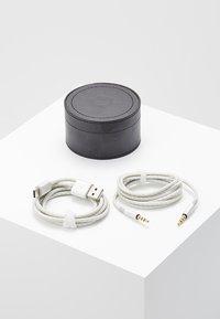 Master & Dynamic - MW50 WIRELESS ON-EAR - Headphones - black/silver-coloured - 5