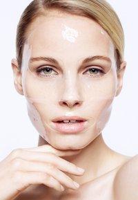 Magicstripes - HYALURONIC TREATMENT MASK SACHET X 1 - Gesichtsmaske - neutral - 1