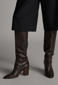 Massimo Dutti - MIT HOLZABSATZ  - Boots - brown - 0