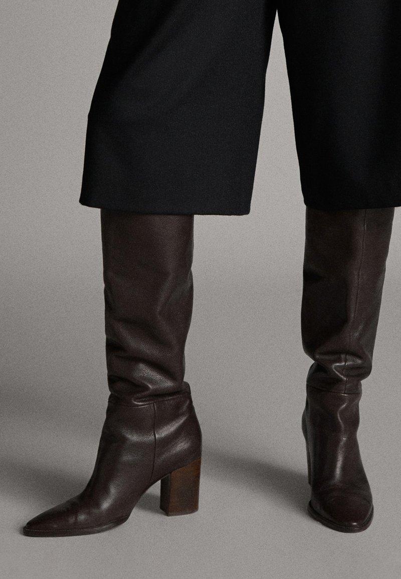 Massimo Dutti - MIT HOLZABSATZ  - Boots - brown