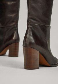 Massimo Dutti - MIT HOLZABSATZ  - Boots - brown - 5