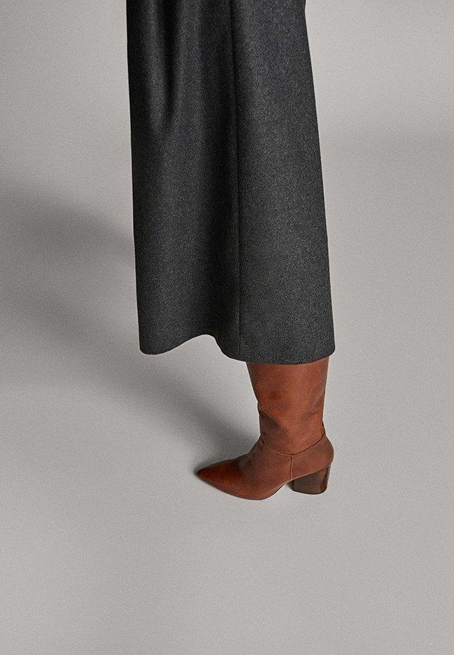 Massimo Dutti - Laarzen met hoge hak - brown