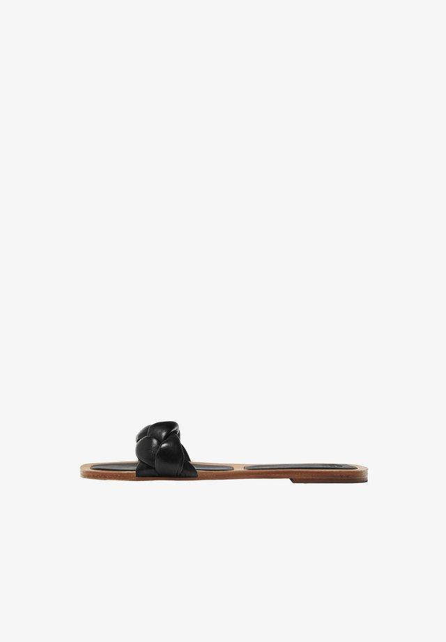 MIT SCHWARZEN FLECHTRIEMCHEN - Ciabattine - black