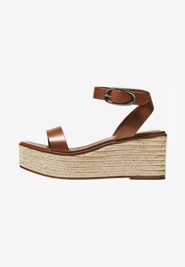 LEDERSANDALEN MIT KEILABSATZ IM ESPADRILLE-STIL 11418550 - Sandaletter med kilklack - brown