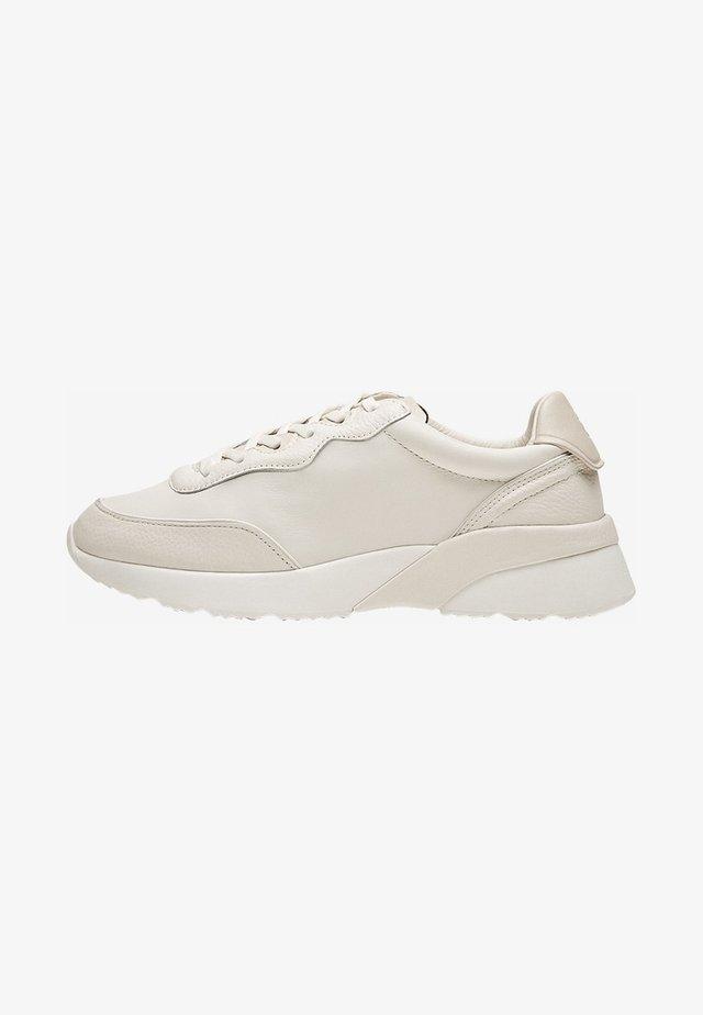 MIT WEISSEM LEDERDETAIL AN DER SOHLE - Sneakers laag - beige
