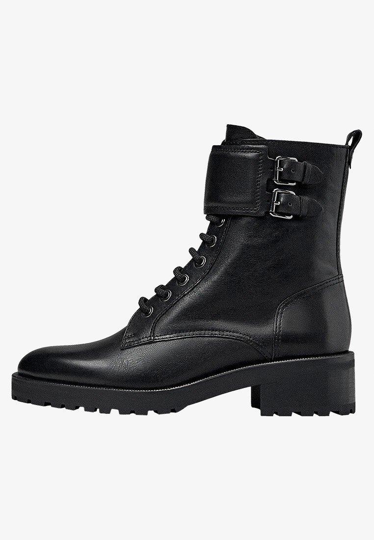 Massimo Dutti - STIEFELETTEN MIT SCHNÜRUNG UND SCHNALLEN 11112550 - Lace-up ankle boots - black
