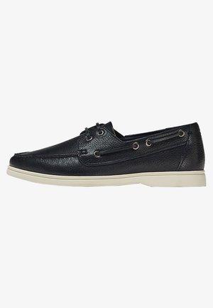BLAUE SEGEL AUS - Boat shoes - blue