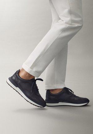 BLAUE SNEAKER AUS NAPPALEDER 12106550 - Sneakersy niskie - blue