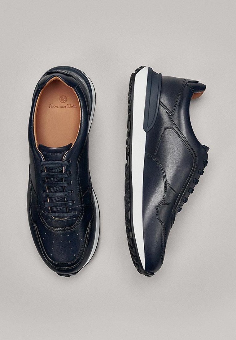 Massimo Dutti BLAUE SNEAKER AUS NAPPALEDER 12106550 - Sneakersy niskie - blue