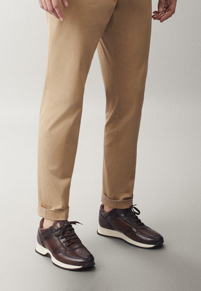 BRAUNE  - Sneakers basse - brown