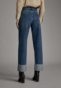 Massimo Dutti - WEITE HOSE MIT GÜRTEL 05039710 - Jeans baggy - dark blue - 2