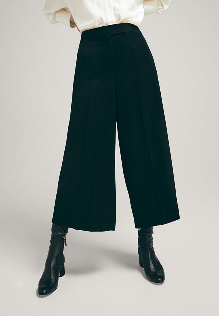 Massimo Dutti - IM CULOTTE-FIT  - Trousers - black