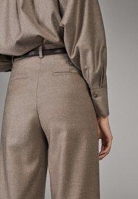 Massimo Dutti - CAMPAIGN COLLECTION - Pantalon classique - dark grey - 2