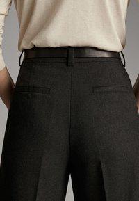 Massimo Dutti - MIT SCHNALLE - Trousers - dark grey - 5
