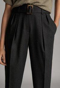 Massimo Dutti - MIT SCHNALLE - Trousers - dark grey - 3