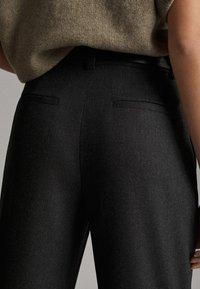 Massimo Dutti - MIT SCHNALLE - Trousers - dark grey - 4