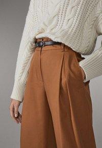 Massimo Dutti - LIMITED EDITION - Pantalon classique - brown - 4