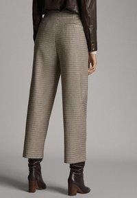 Massimo Dutti - Pantalon classique - brown - 4