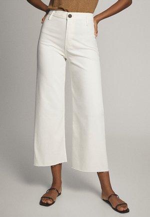 Jean flare - white