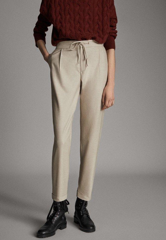 Massimo Dutti - MIT SEITENSTREIFEN - Trousers - beige