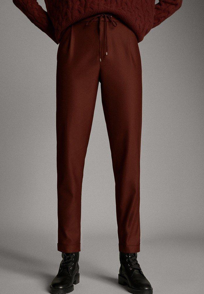 Massimo Dutti - MIT SEITENSTREIFEN - Trousers - red